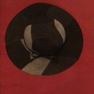 August Black & Gray Wide Rim Hat